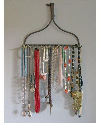 blog.century-tile.com SBOOriginal_Kevi-Zupancic-Twig-Home-rake-jewelry-holder_s3x4_lg 390x480