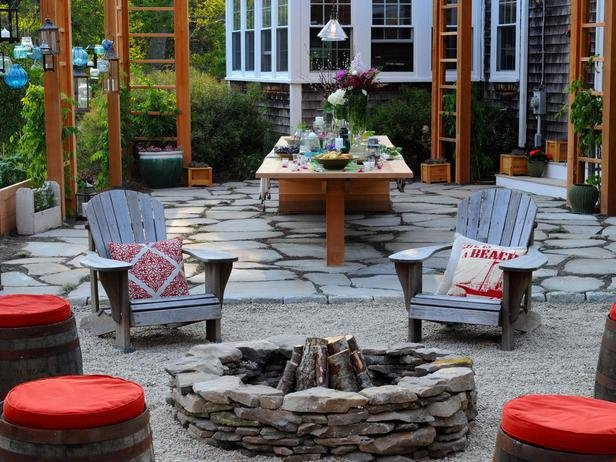 BP_HGOYD114_backyard-fire-pit-pergola_s4x3_lg
