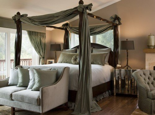 cool-canopy-beds-8-500x374