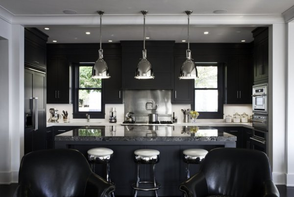 black-kitchen-monochromatic-room-cococozy-ldaarchitects