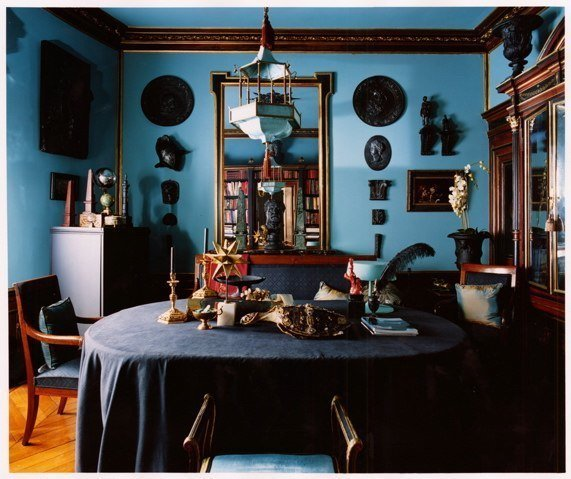 blue-monochromating-dining-room-traditional-cococozy-coorengelcalvagrac